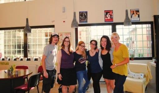 Estudiantes y profesores en la escuela de español