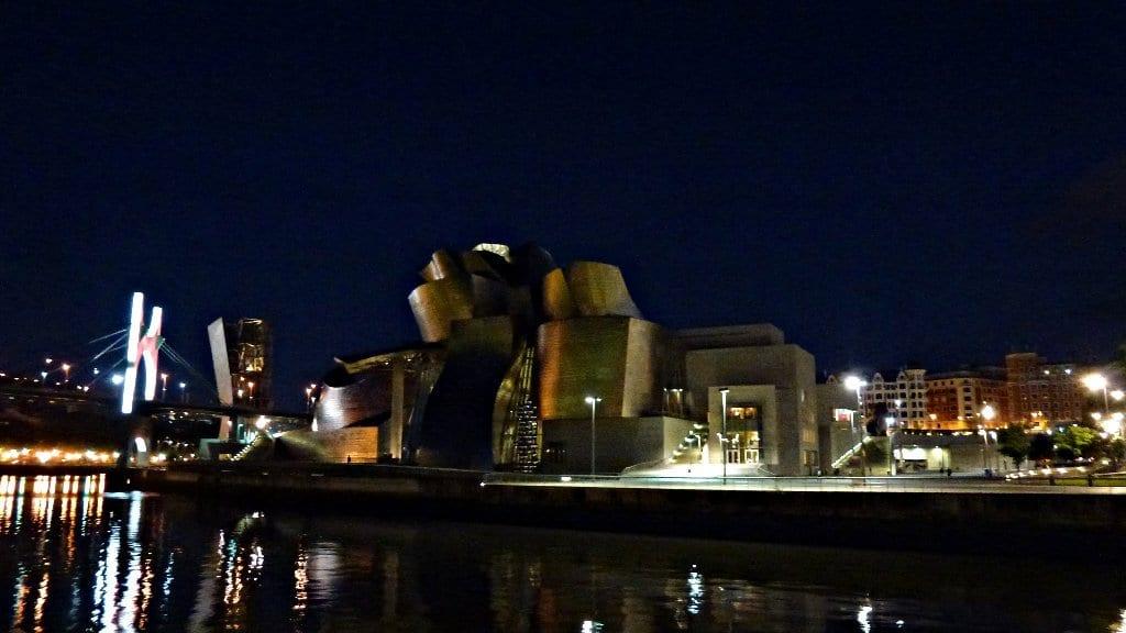 Museo Guggenheim, vista de noche